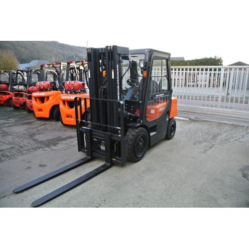 DOOSAN D30G Plus Diesel Triplex 4710mm...
