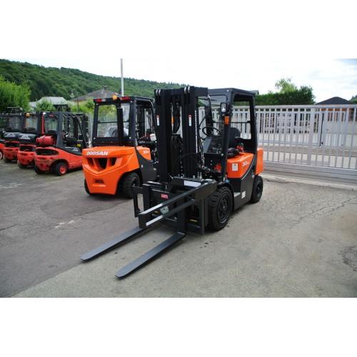 Doosan D30G Plus Diesel Halbkabine Triplex mit...