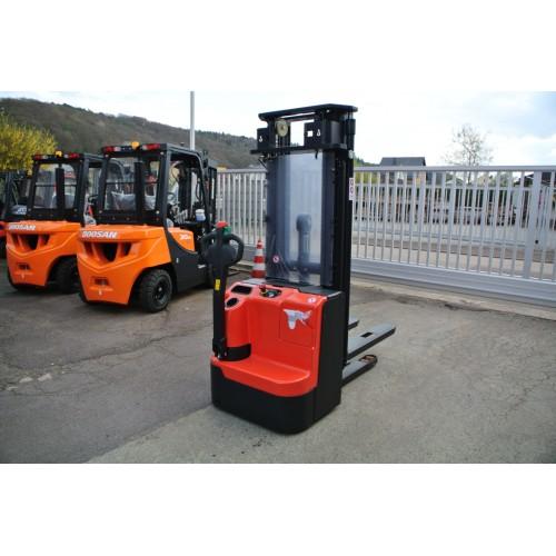 Fabrikneue Noblelift E Ameise 4.600 mm Triplex mit...