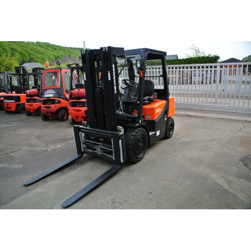 DOOSAN D30G Plus Diesel Triplex 4710mm