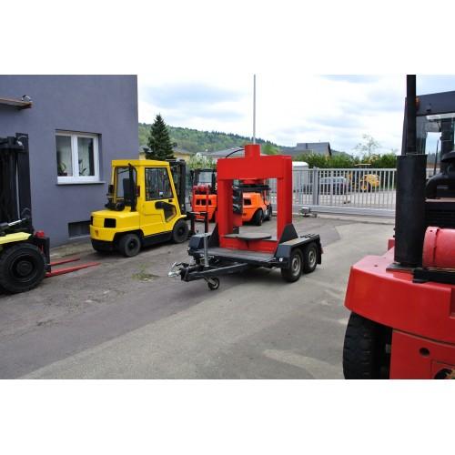 Mobile Reifenpresse 150 to. für den Einsatz vor...